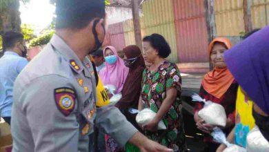 Photo of Kapolres Lumajang, Bersama F-JINLU Bagi Beras Untuk Kaum Duafa