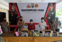 Photo of Polres Lumajang Ungkap Pelaku Pembuat Dan Penjual Ratusan Petasan Tanpa Ijin