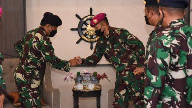 Photo of Silaturahmi Sebagai Pejabat Baru, Gubernur AAL Kunjungi Komandan Kodiklatal