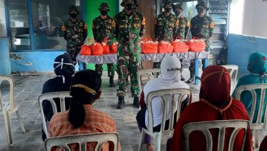 Photo of Ditengah Lattek Bajra Yudha, Taruna AAL Korps Marinir Gelar Bakti Sosial