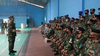 Photo of Jaga Semangat, Gubernur AAL Berikan Motivasi Tamtama AAL