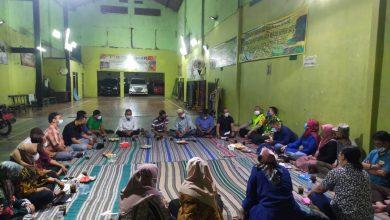 Photo of Camat di Surabaya Mulai Ngantor dan Buka Layanan di Balai RW