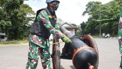 Photo of Gubernur Akademi Angkatan Laut Terima Brivet Kehormatan Arsenal