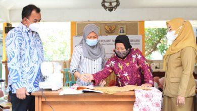 Photo of Dorong Peningkatan Ekonomi Keluarga, SIG Beri Pelatihan Menjahit Bagi Ibu Rumah Tangga