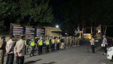 Photo of Pimpin Apel Gabungan Tiga Pilar, Kapolres Lumajang Tekankan Patroli Wilayah Pantau Penerapan PPKM Level 4