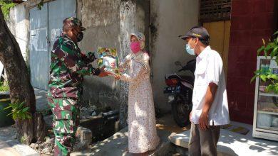 Photo of Matur Suwun, Ucapan warga Terdampak Ketika menerima  Bantuan Beras Melalui Babinsa Sidayu