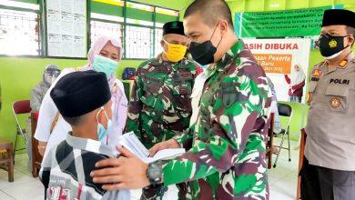Photo of Dandim Gresik Pantau Pelaksanaan Serbuan Vaksinasi Di Ponpes