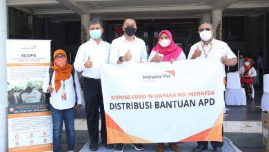 Photo of Berbagai Stakeholder Gotong Royong Berikan Bantuan ke Pemkot Surabaya