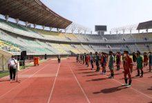 Photo of Pemerintah Kota Surabaya melalui Dinas Pemuda dan Olahraga memulai seleksi Diklat Sepak Bola Surabaya di Stadion  GBT